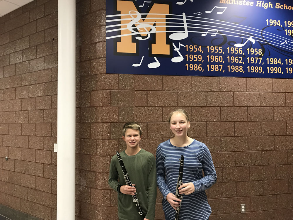 Two clarinet players