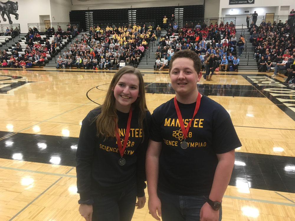 Students awarded in Science Olympiad competition