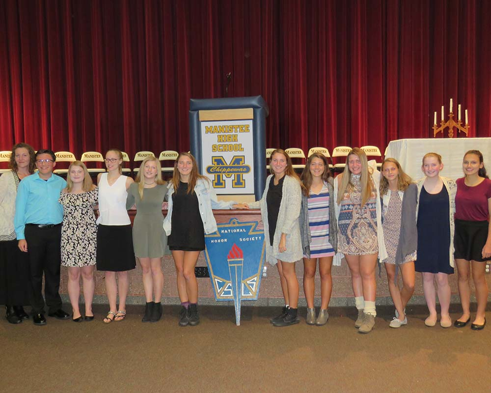 Manistee Students at national honor society meeting